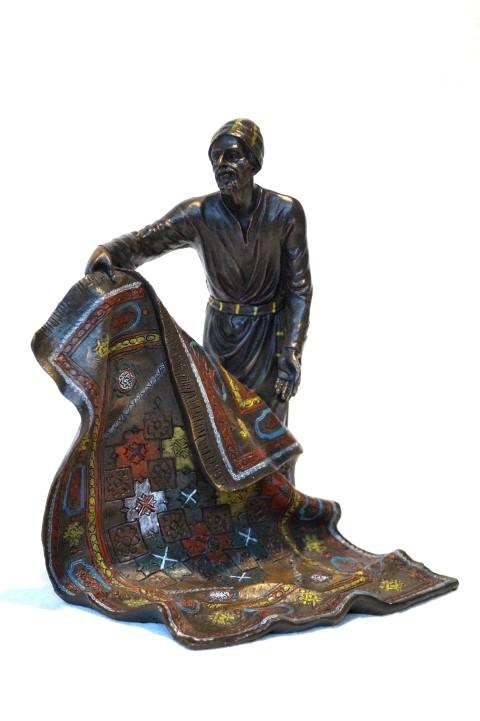 """Bronzefigur, """"Teppichhändler"""" Image"""